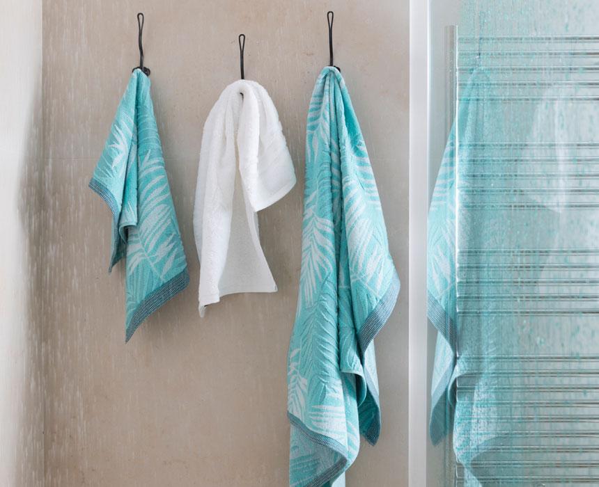 comment laver sa serviette de bain mon carr d co. Black Bedroom Furniture Sets. Home Design Ideas