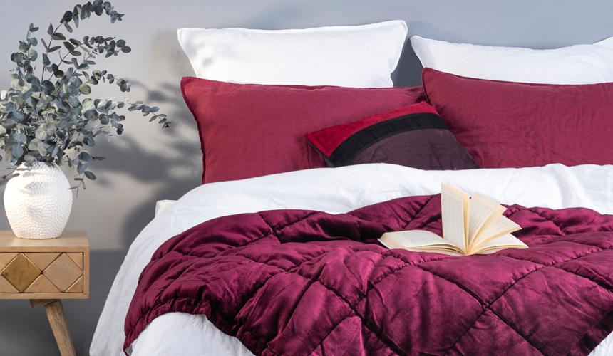 Plaid, couvre-lit, boutis… comment décorer son lit ?